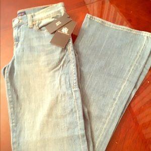 New w/ tags!!!  Misses Rock & Republic Jeans Sz 6M